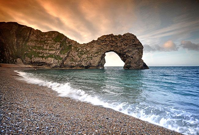 Durdle-Door Слишком экзотично для Великобритании! Треть британцев не знают своих природных достопримечательностей