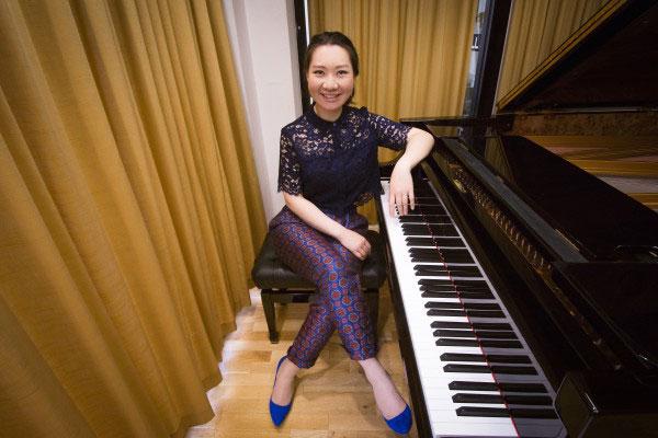 Dina-Piano-6-e1437976941814 Концерт Дины Дуйсен