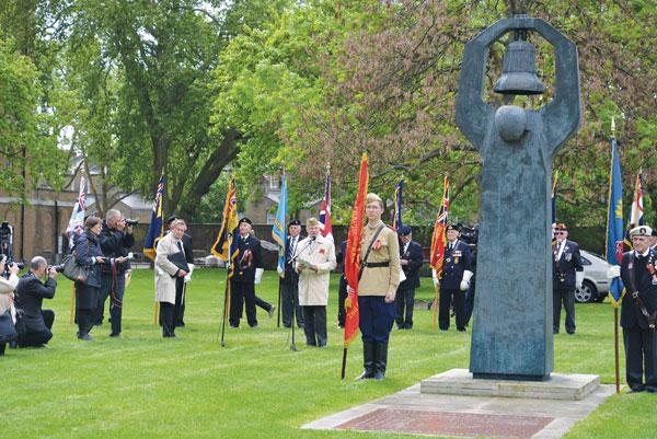 soviet-war-memorial-2 День памяти в Лондоне