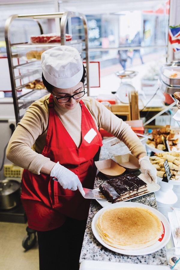 «Наполеон», долма, блины: традиции нашей кухни в Кингстоне