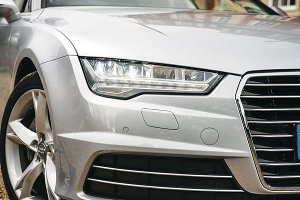 Audi A7: Красота и мощность требуют жертв