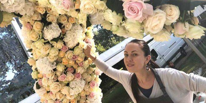 Lush Petals: три грузовика свежих роз!