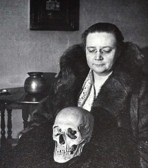 Translation from Oxonian: Dorothy Sayers in Russia