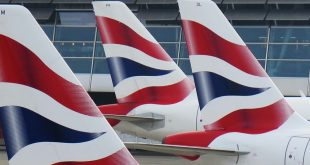 Разногласия в кабинете министров: отправлять ли приезжающих в UK на 14-дневный карантин?