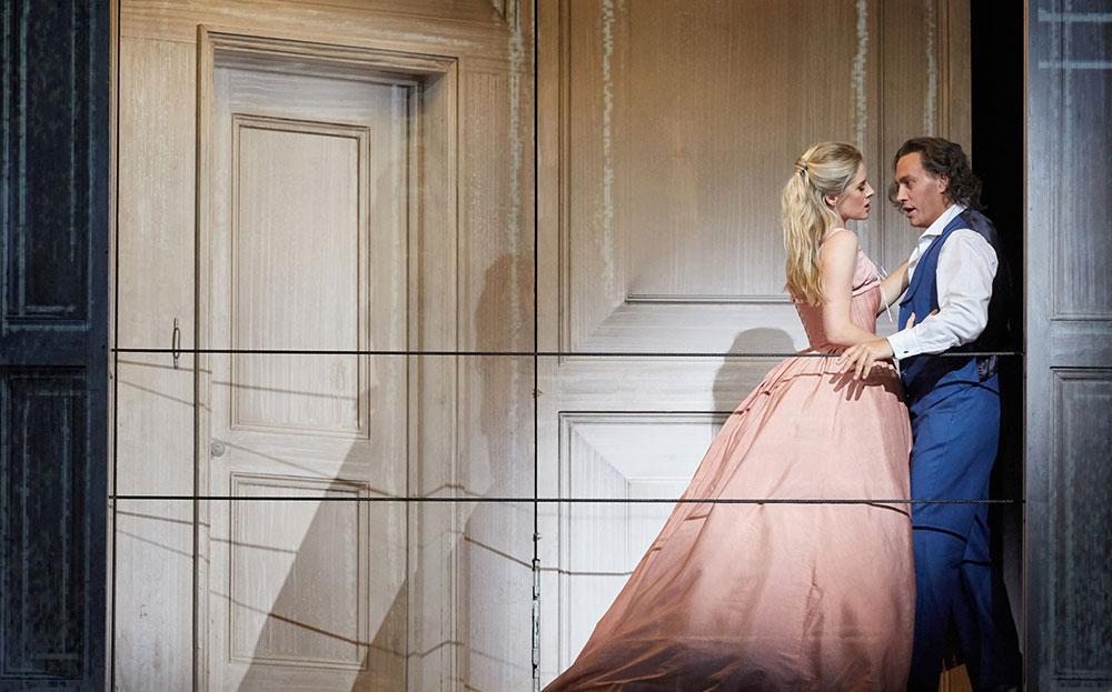 Чем живет и как выживает Королевская опера