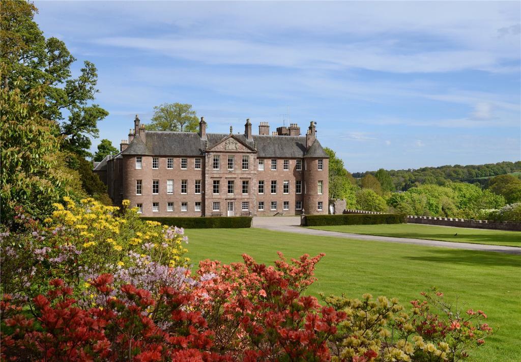 Шотландские замки по цене элитной квартиры в Лондоне
